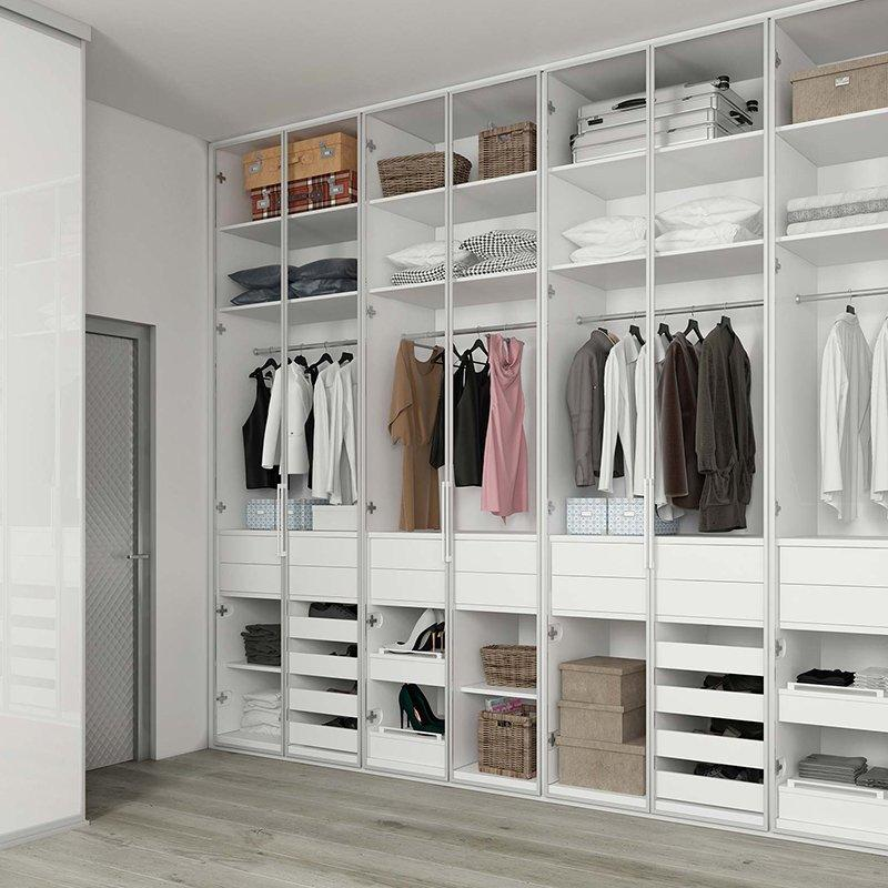 Customized Different Designs of Walk in Wardrobes