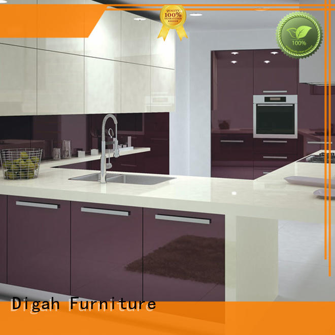 Customized Different Designs of UV Kitchen Cabinets